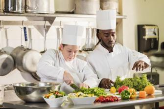 Le Metier De Commis De Cuisine Ouestfrance Emploi