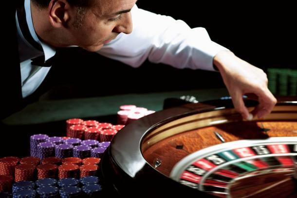 Salaire caissier casino casino royale english sub