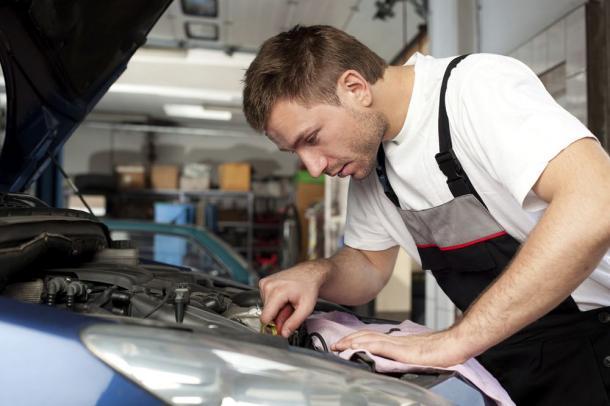Fiche metier mecanicien et technicien auto